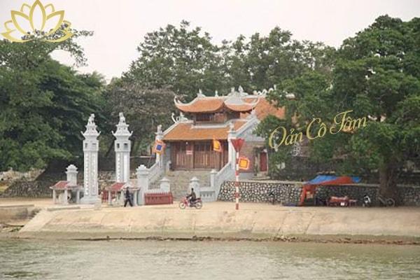 đền thờ Ông Hoàng Bơ