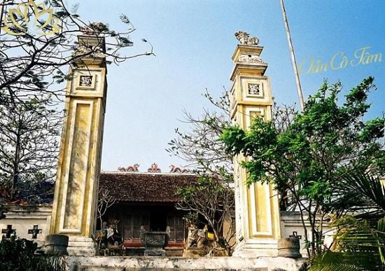 đền thờ ông hoàng chín