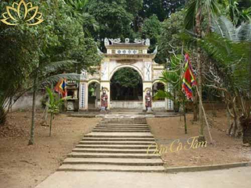 đền thờ thánh tản viên