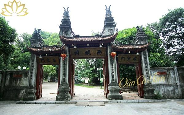 đền Voi Phục Thăng Long tứ trấn